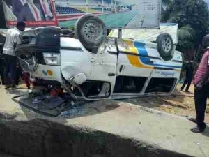 Ambulance Carrying Corpse Collides With A Moving Van In Uyo (Photos)